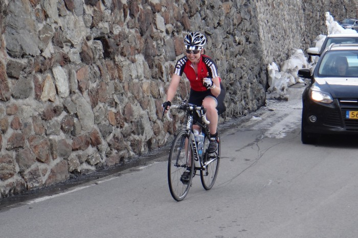 Europe - Jo makes it to the top of Stelvio Pass without stopping!