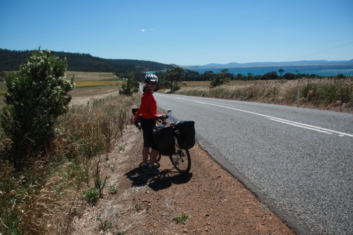 Tasmania - Cycling to the Friendly Beaches