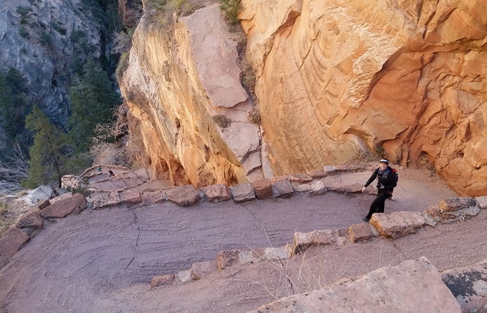 "USA Road Trip - Hiking ""the wiggle"" on the Angels Landing Trail, Zion National Park, Utah"