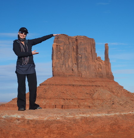 USA Road Trip - Jo and West Mitten Butte, Monument Valley
