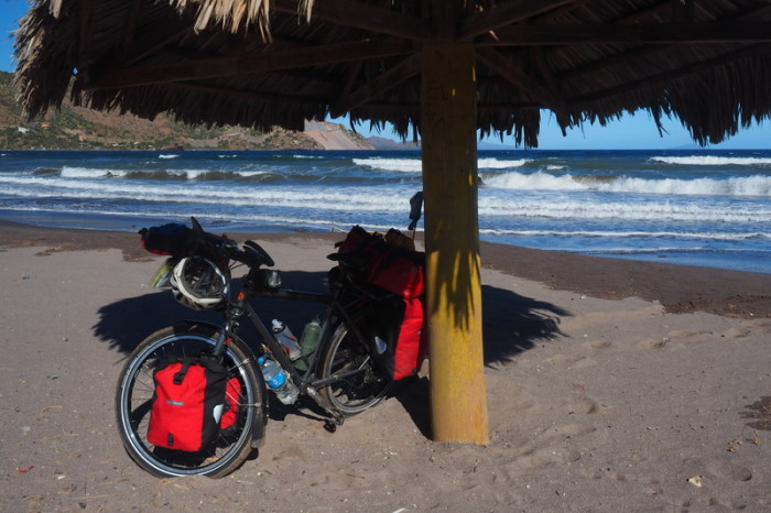 Baja California - Taking a break on Juncalito beach