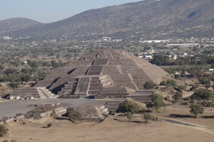 Mexico City 25 - The stunning Pyramid of the Moon, Teotihuacán
