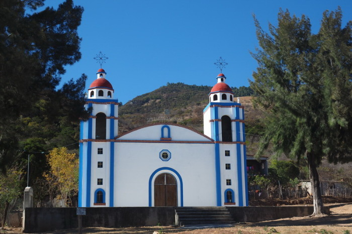 Day trip to the Valle de Tlacolula  - Cute village church near Hierve El Agua