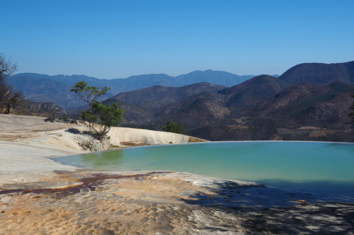 Day trip to the Valle de Tlacolula  - Beautiful cliff top pools at Hierve El Agua