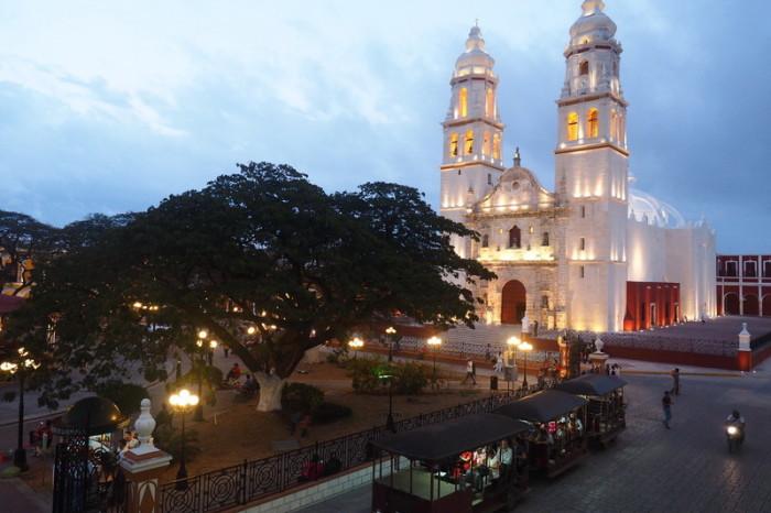 Mexican Road Trip - Catedral de Nuestra Señora de la Purísima Concepción and the Plaza de la Independencia, Campeche, Campeche, Mexico