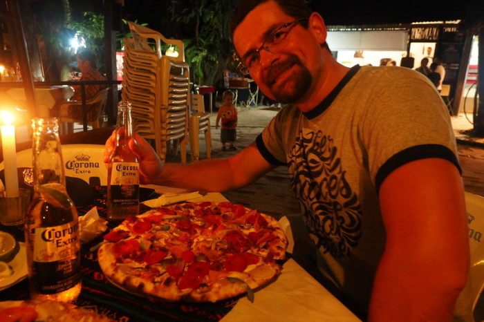 Mexican Road Trip - Pizza at Don Mucho's, El Pachan, Chiapas, Mexico