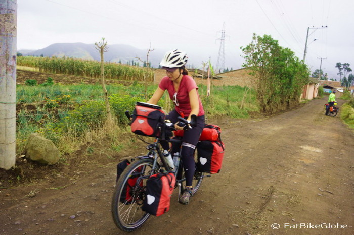 Colombia - We cycled out of Pasto on a little dirt track!