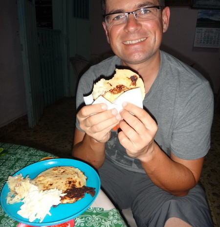 El Salvador - Yum .... pupusas, La Union, El Salvador