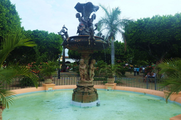 Nicaragua - Fountain in the Parque Central, Granada, Nicaragua