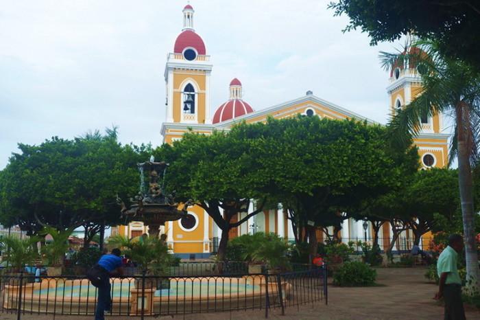 Nicaragua - Parque Central (Central Park), Granada, Nicaragua
