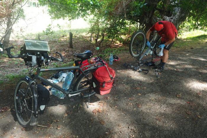 Nicaragua - Unwanted mechanicals ... on the way to Rivas, Nicaragua