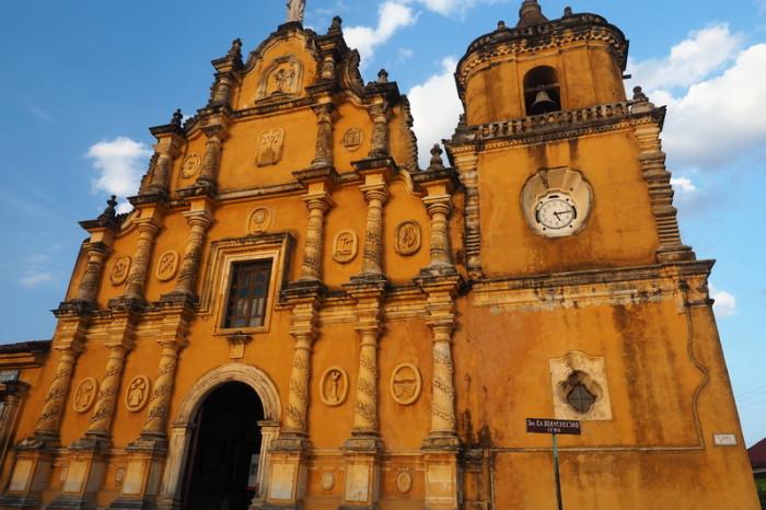 Nicaragua - Iglesia de La Recolección, León, Nicaragua