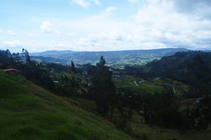 Ecuador - Beautiful views on the way out of Saraguro