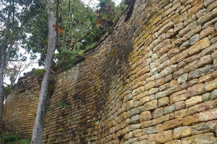 Peru - Fortress walls, Kuelap