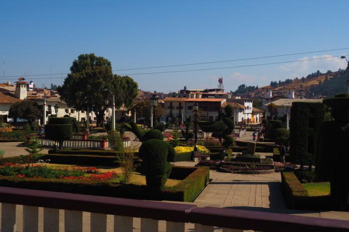Peru  - Plaza de Armas, Huamachuco