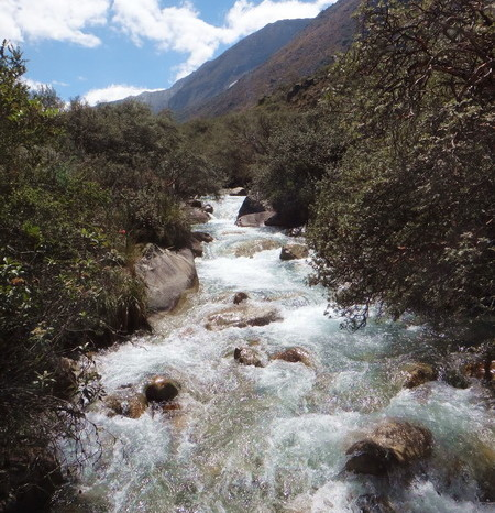 Laguna Paron - The hike to the laguna essentially follows this river