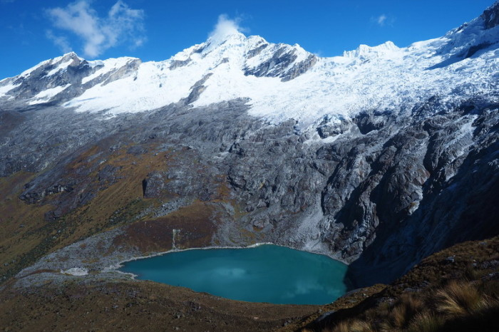 Santa Cruz Trek - Laguna Taullicocha - simply gorgeous in the sunshine!