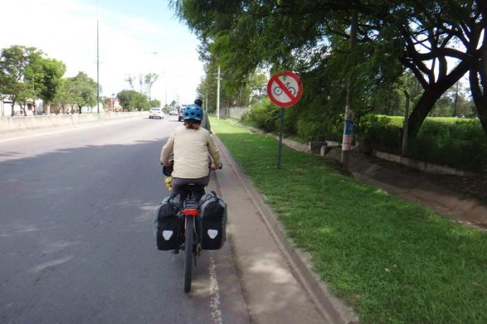 Argentina - Mylene cycling into Salta