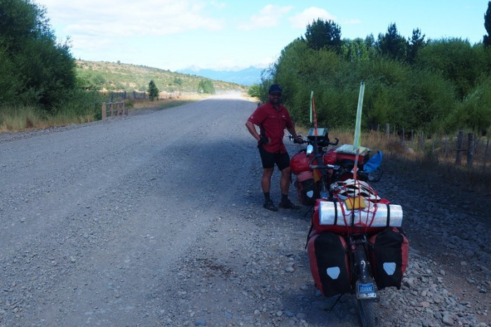 Argentina - The lovely paved roads ended after Trevelin ... on our way to Futaleufú