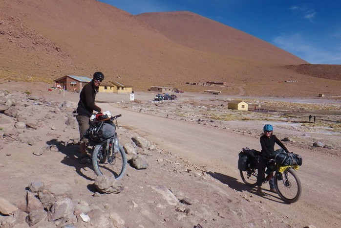 Bolivia - Day 7 of the Laguna Route: Vincent and Mylene ready to hit the road